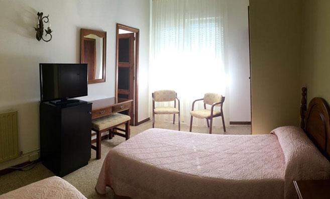 habitación hotel estudiantes baiona